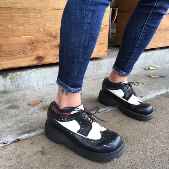 dr martens bex black and white